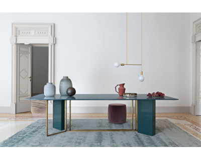 Plinto table